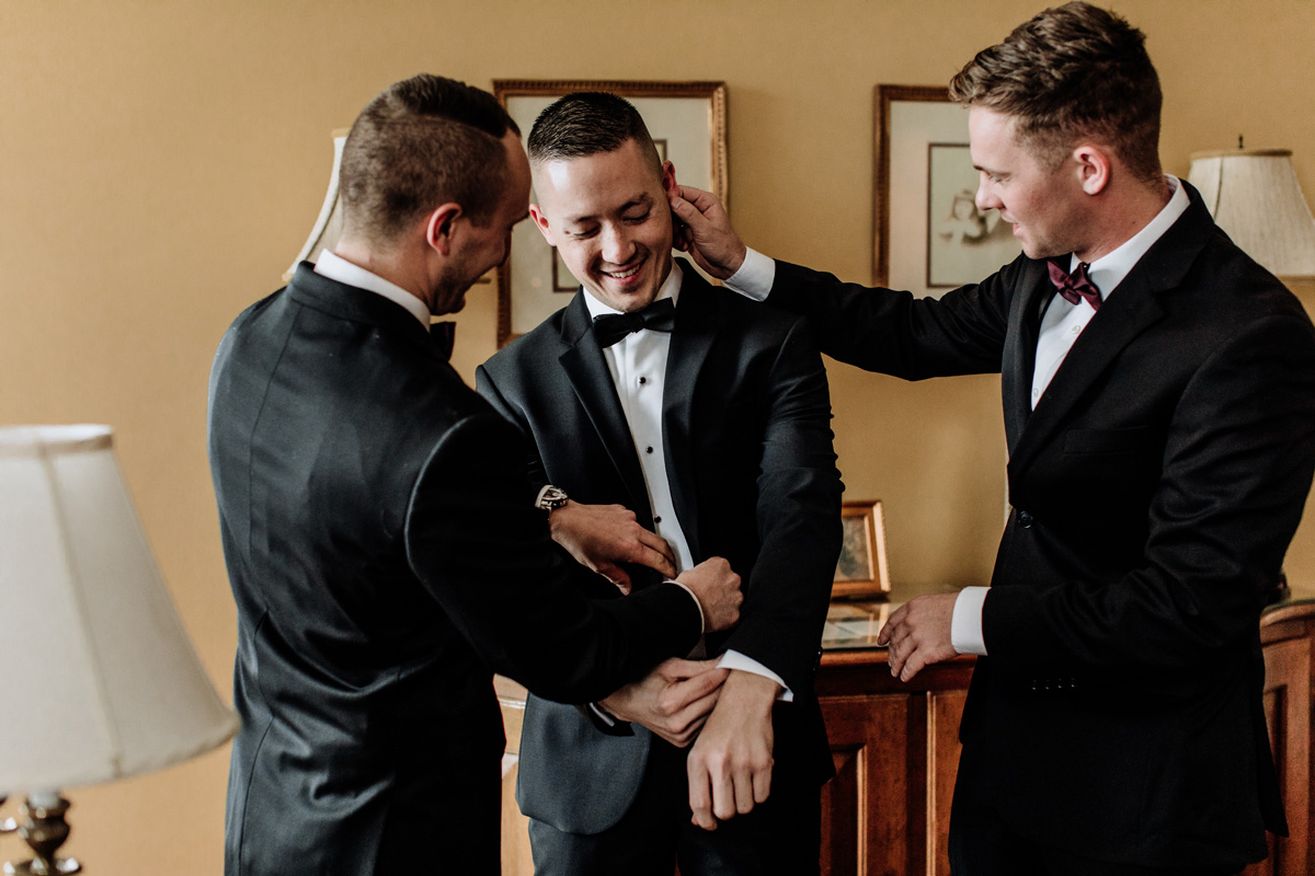 lehigh-valley-wedding-photographer-cairnwood-estate-getting-ready-groom-2