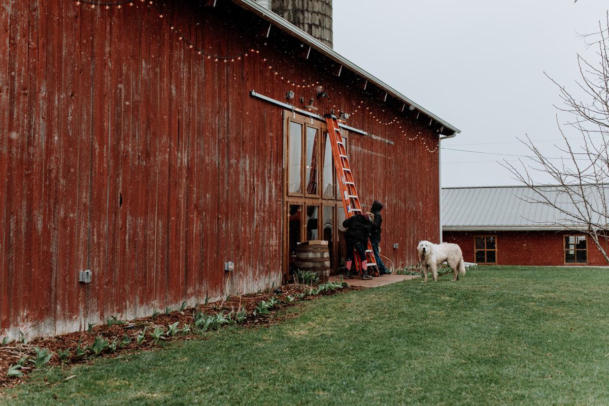gilbertsville-farmhouse-event-setup