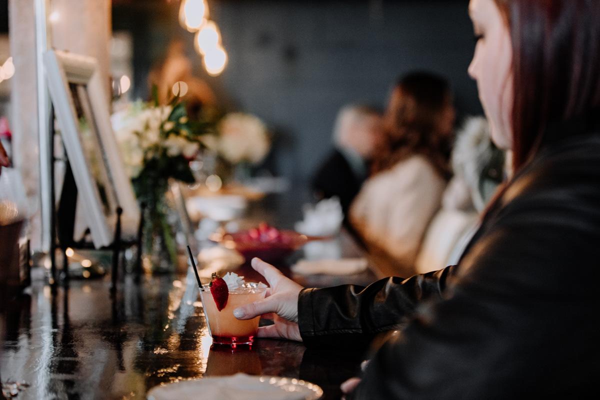 gilbertsville-farmhouse-wedding-bridal-show-lounge