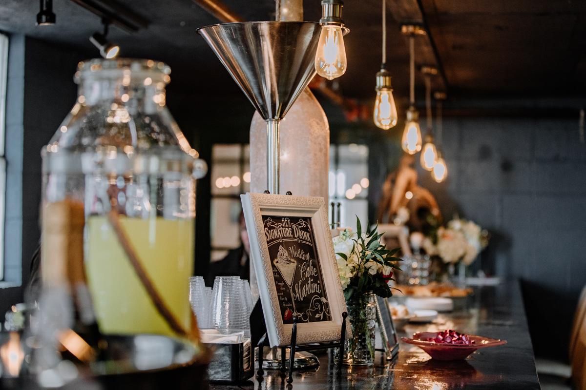 gilbertsville-farmhouse-sage-bridal-show-2018-lounge