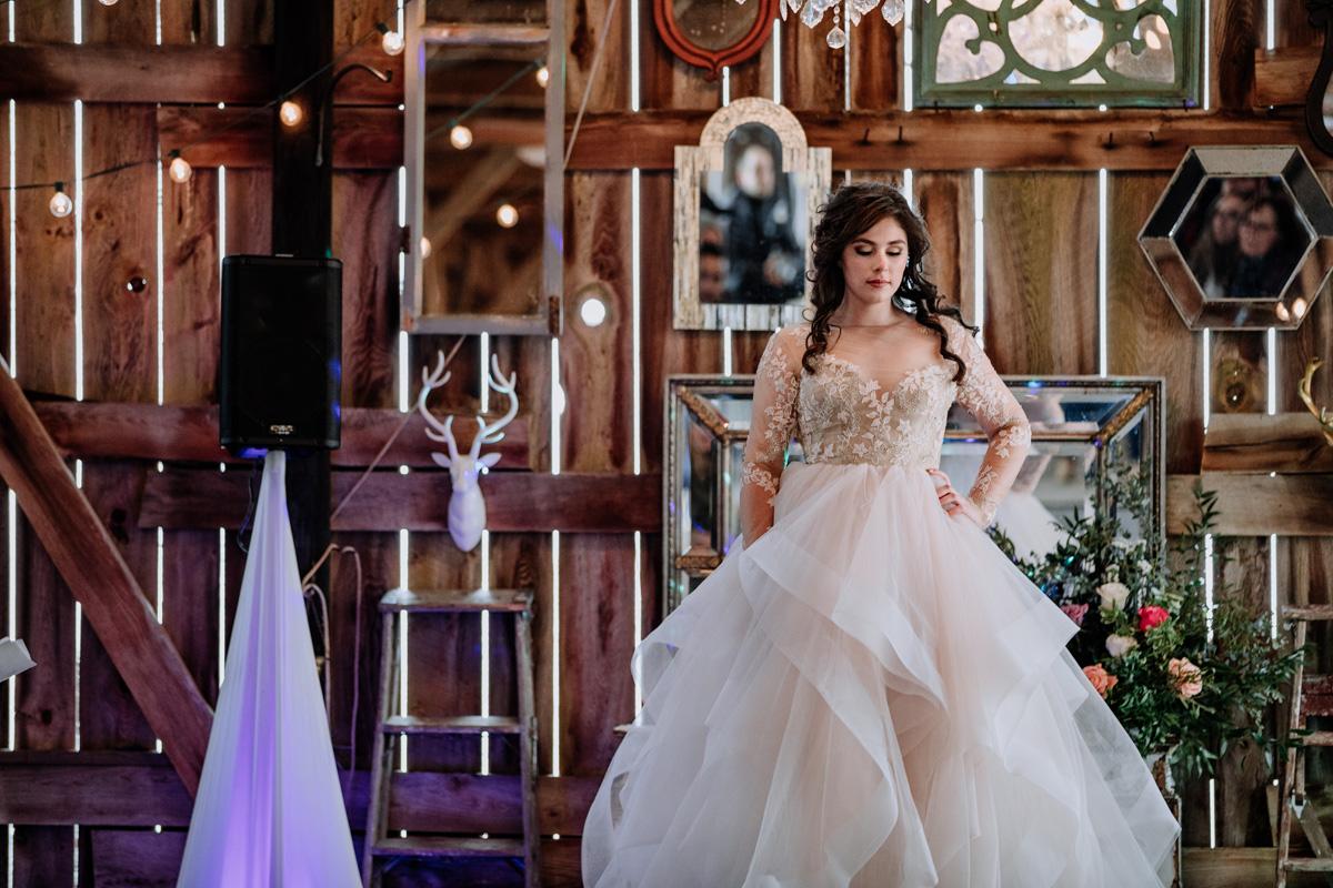 gilbertsville-farmhouse-sage-luxe-bridal-show-2018-fashion-show-style