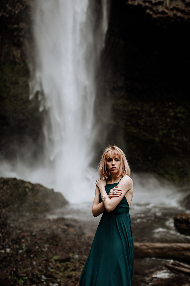 oregon-wedding-photographers-latoural-falls-2