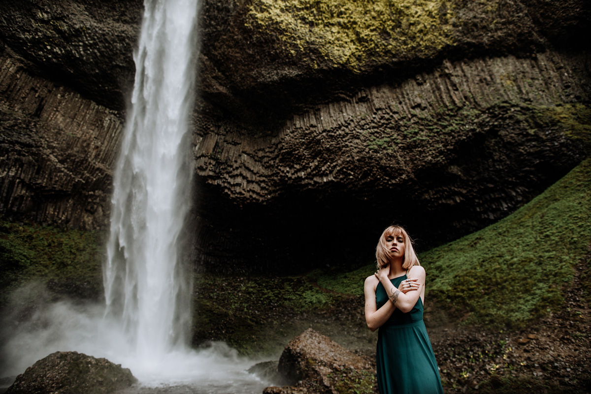 oregon-wedding-photographers-latoural-falls-6