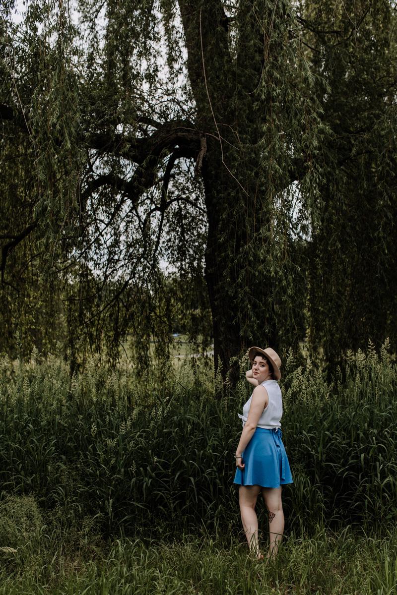 8T9A2447.jpgallentown-rose-gardens-portrait-photography-4