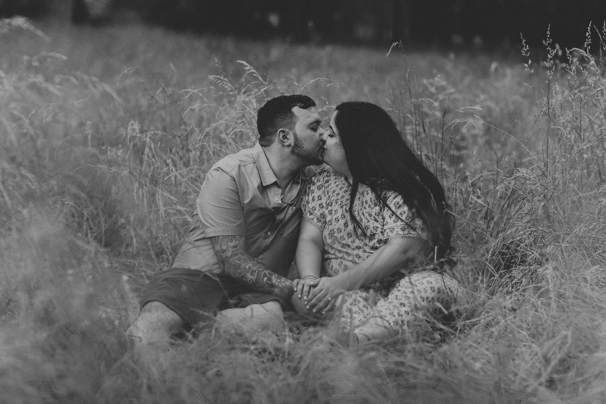 lock-ridge-park-alburtis-engagement-photographer-beautiful