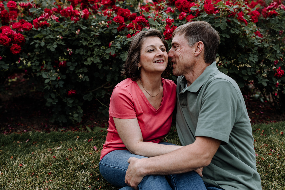 lv-photography-allentown-rose-gardens-couple-6