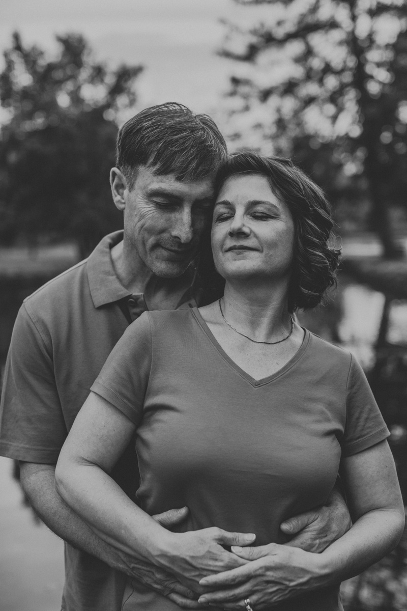 lehigh-valley-photography-allentown-rose-gardens-couple