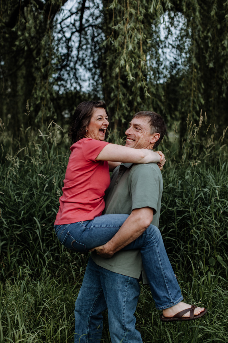 lehigh-valley-photography-allentown-rose-gardens-couple-8