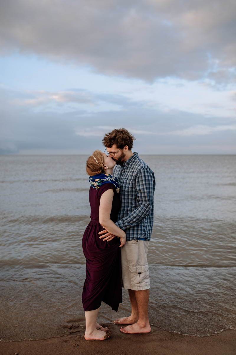 cedar-point-beach-sandusky-ohio-engagement-photography-3