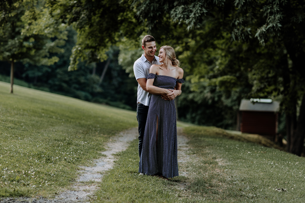 nazareth-park-lehigh-valley-engagement-photography-2