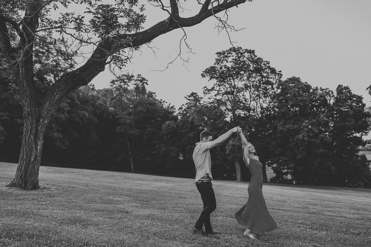 nazareth-borough-park-lehigh-valley-engagement-photography-2