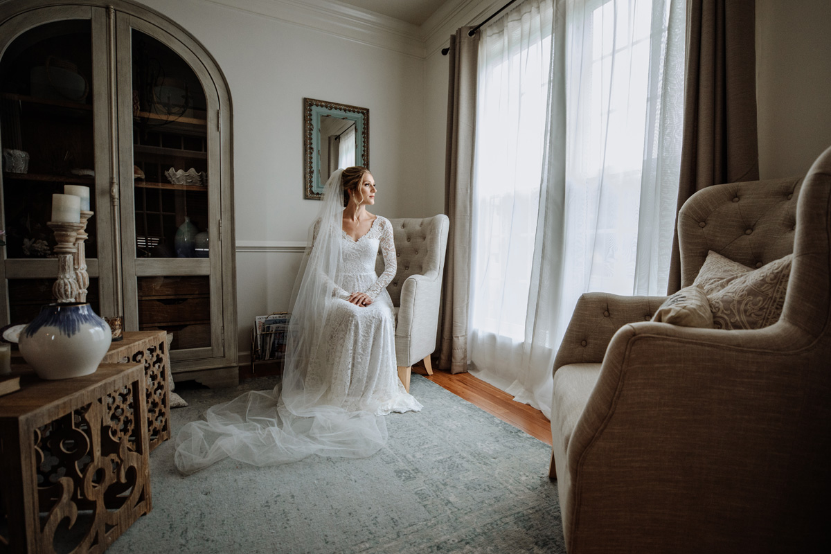 lehigh-valley-wedding-photography-bride-portrait-window-light