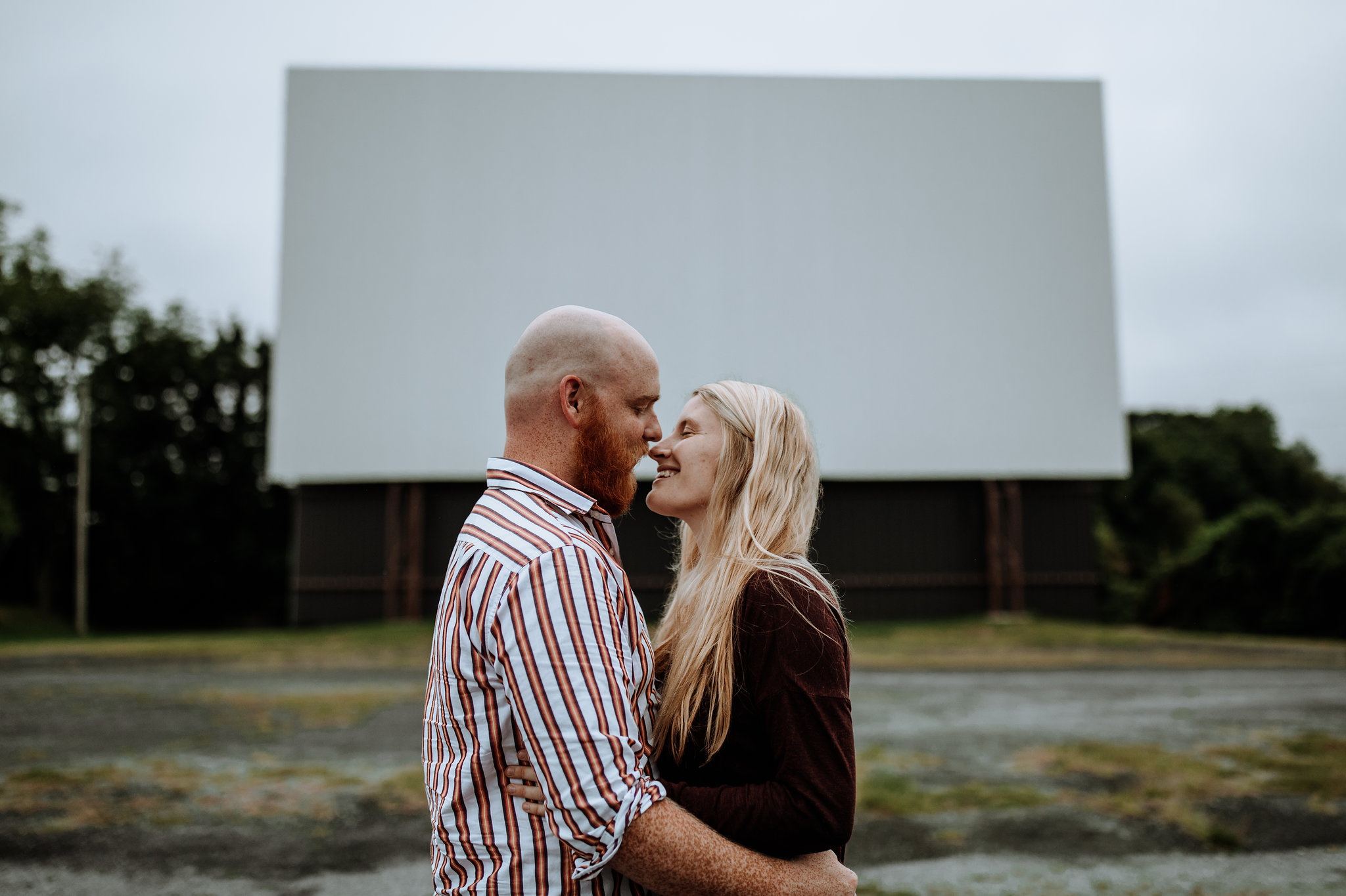 lancaster-engagement-photography-drive-in-movie-theater-2