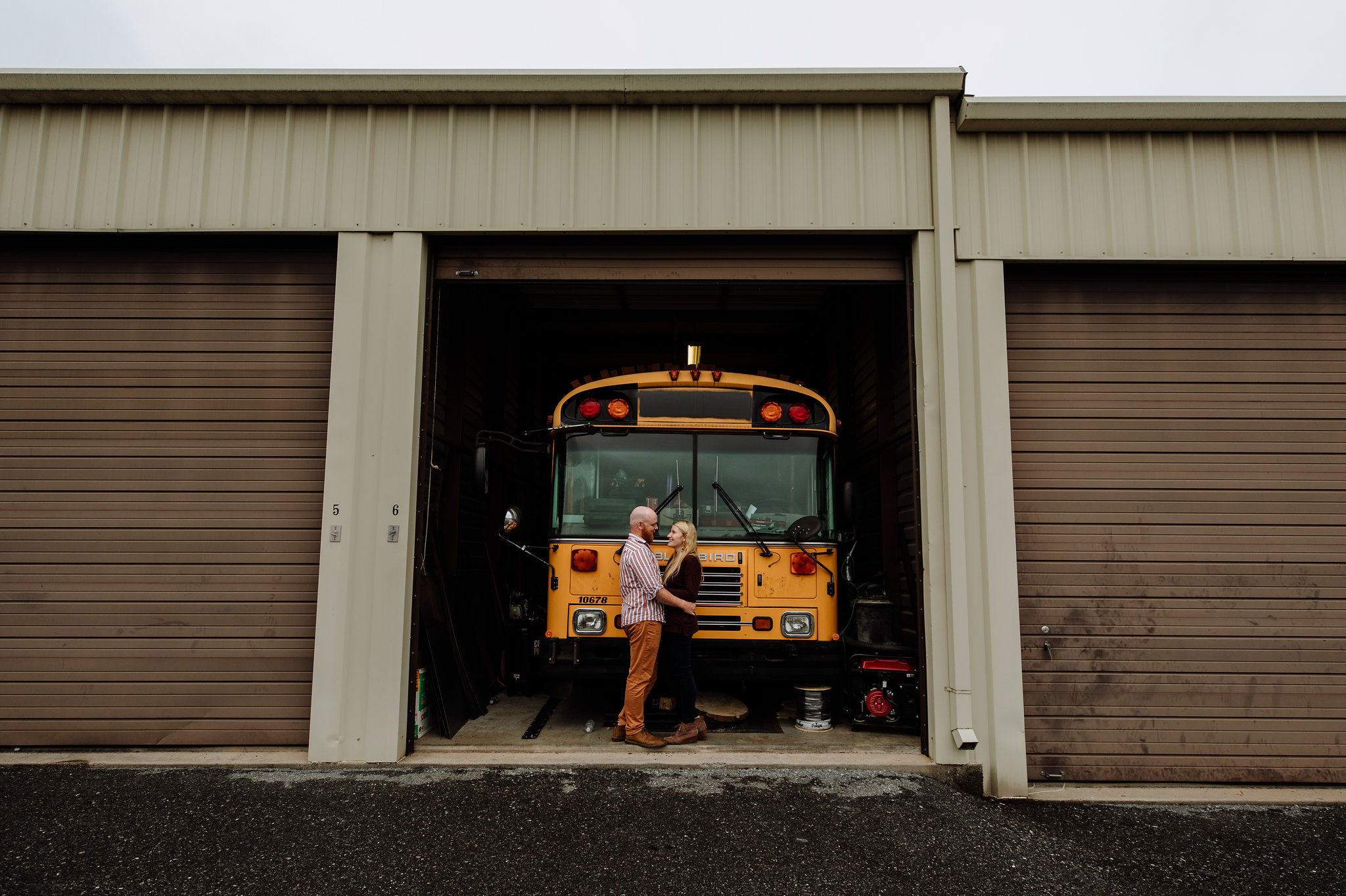 bethlehem-pa-engagement-photography-bus