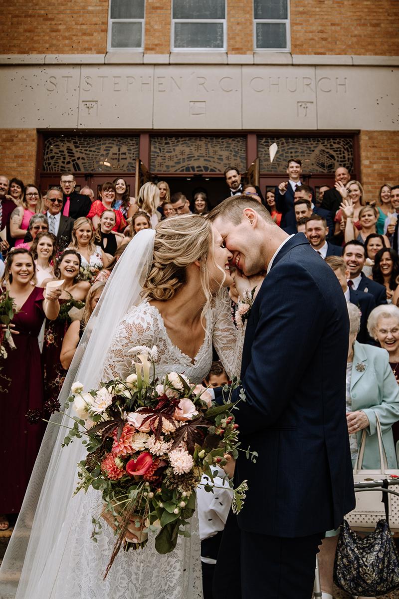 lehigh-valley-wedding-confetti-church-send-off