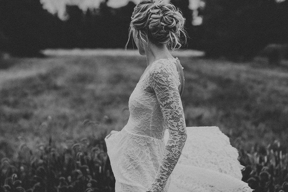 wear-your-love-indigo-bride-dress-elopement-wedding-photographer