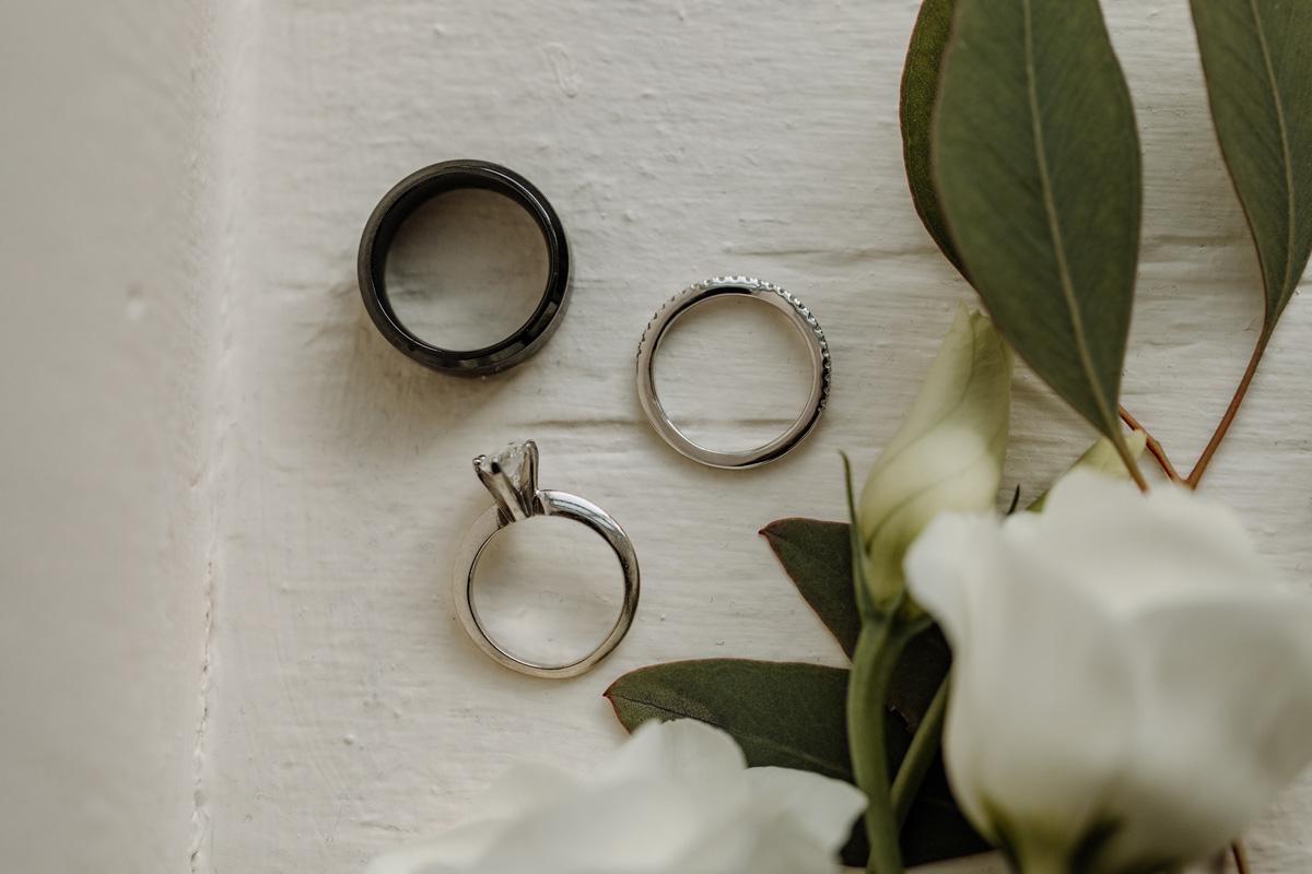romantic-winter-wedding-details