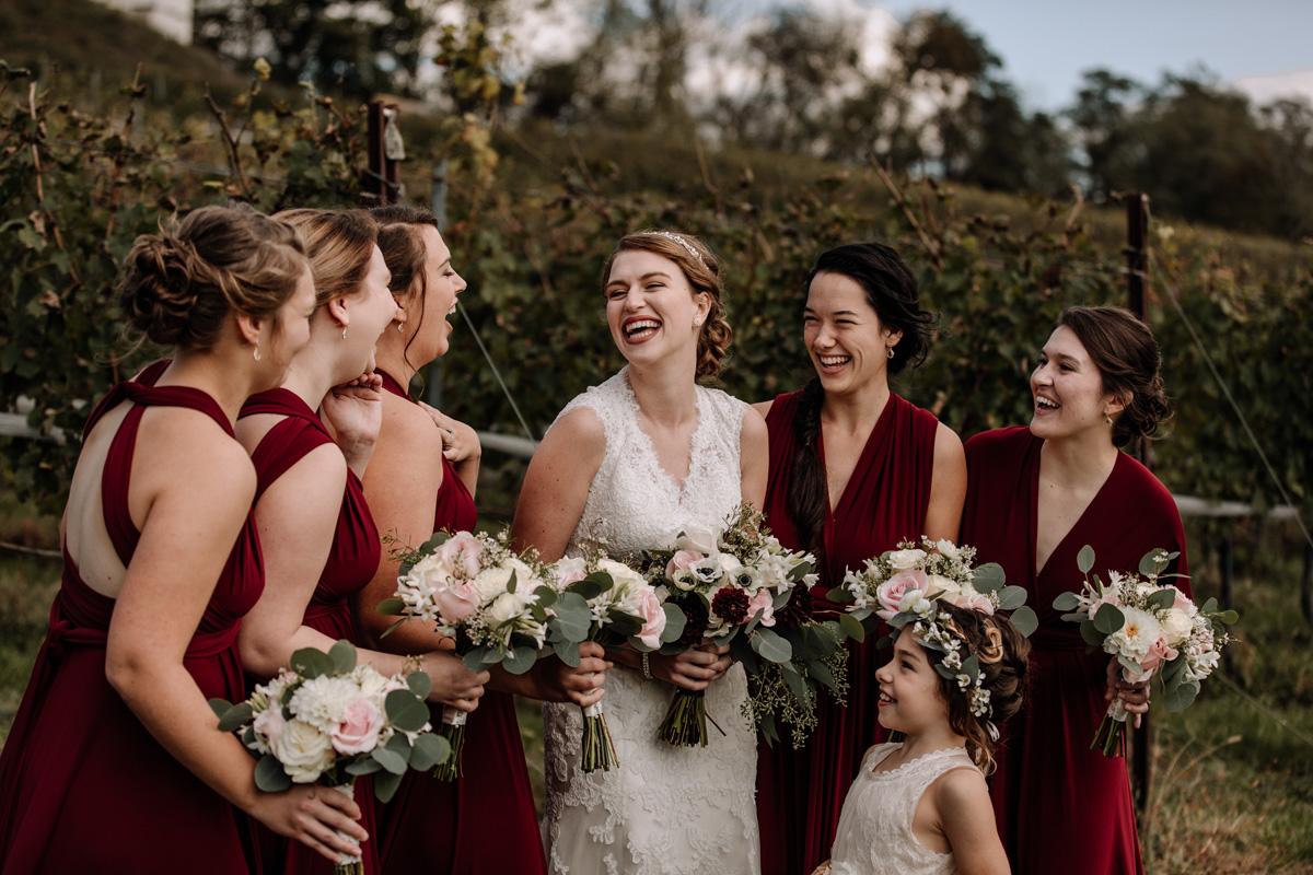 grandview-vineyard-wedding-party-portraits