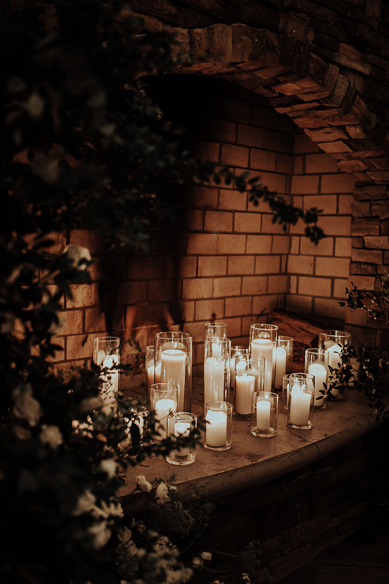 romantic-ceremony-in-winter-inspo