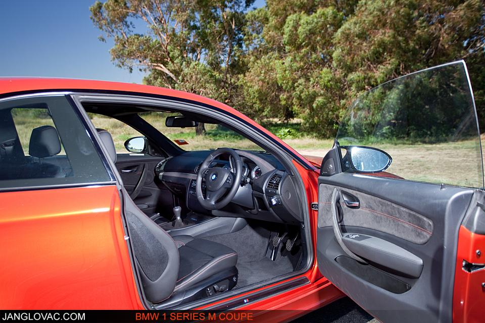 BMW 1M-7.jpg