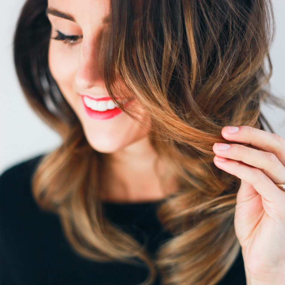 hair tutorial bombshell curls.jpeg