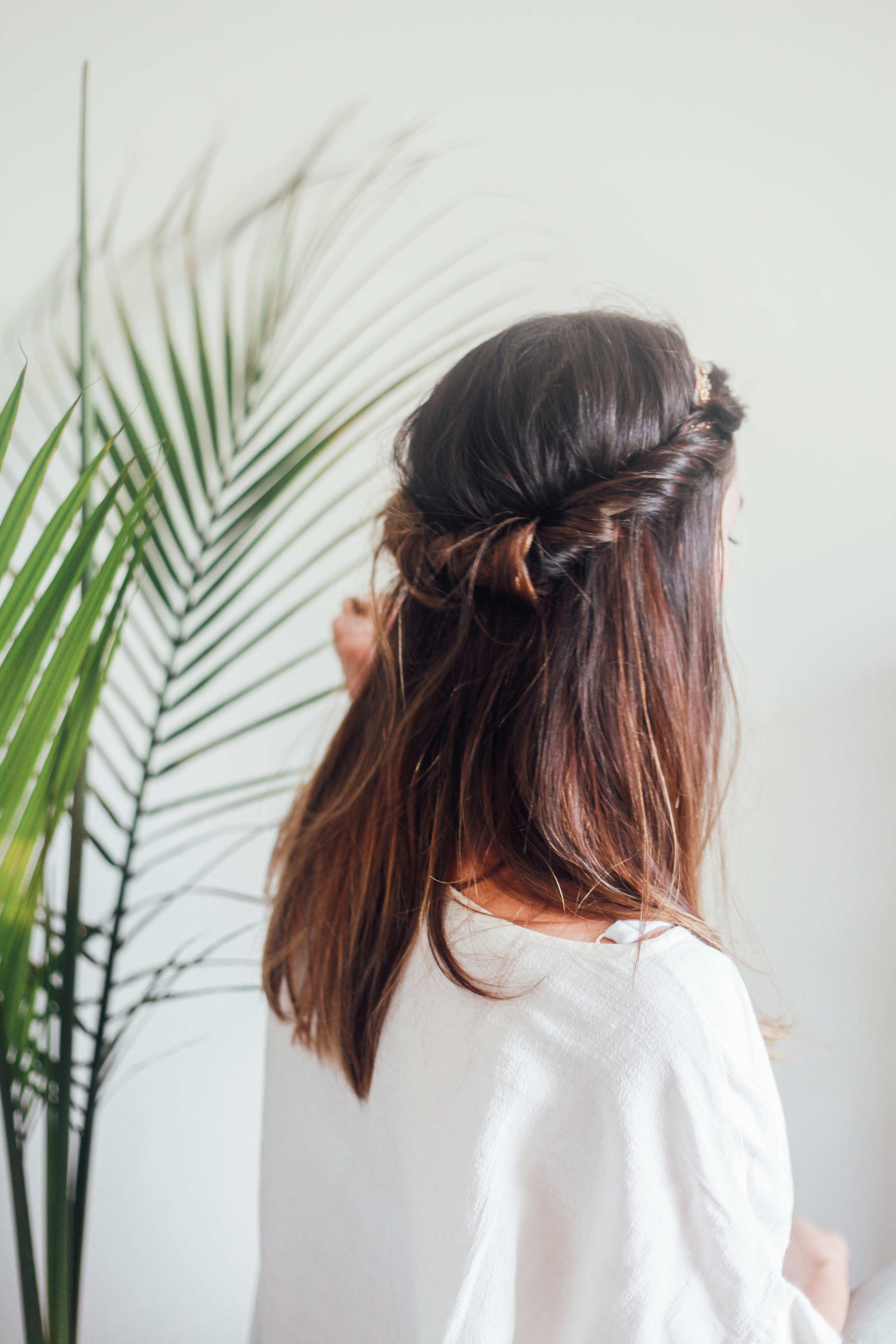hair tutorial half up headband.jpeg