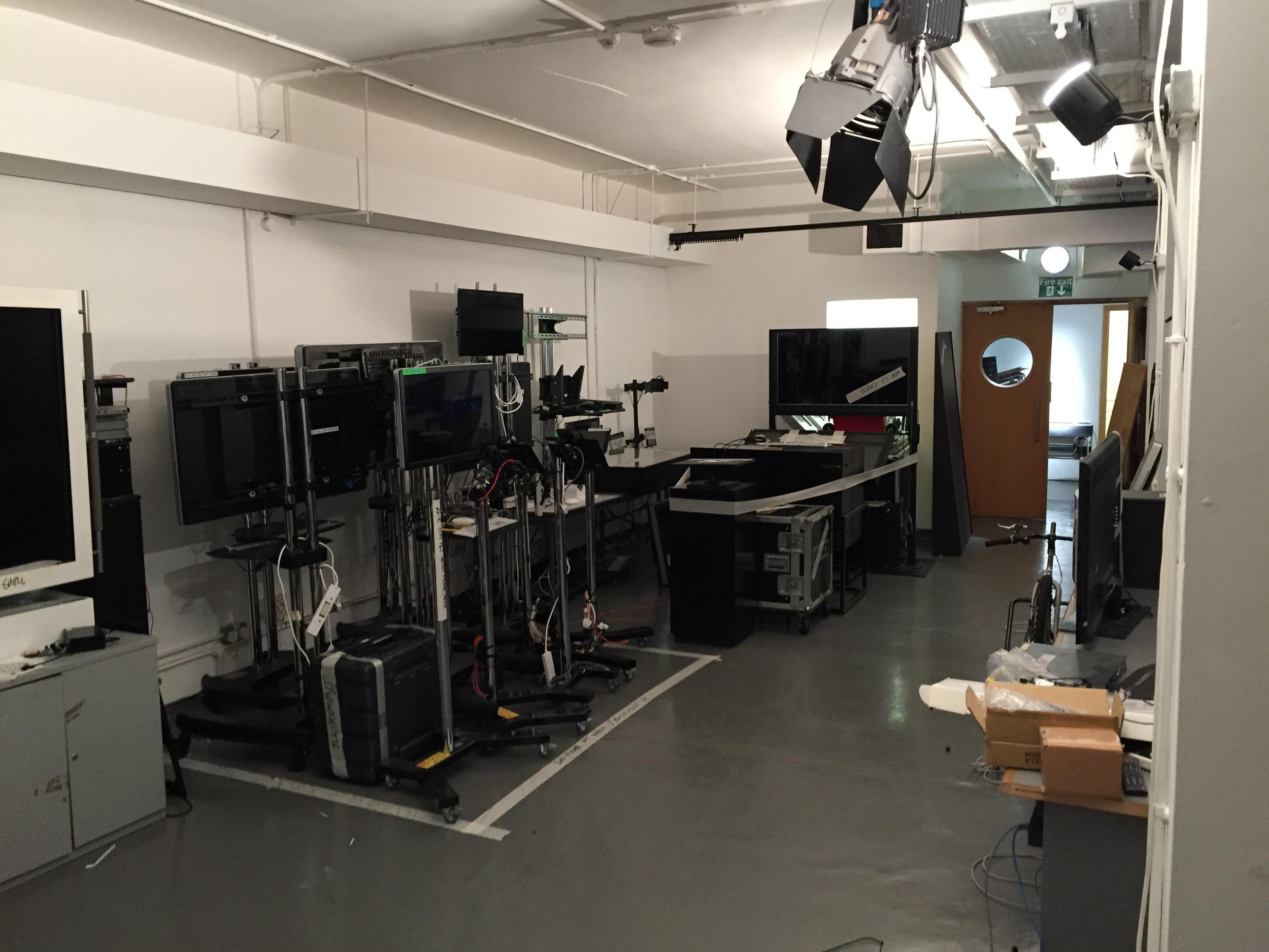 photo studio - general view