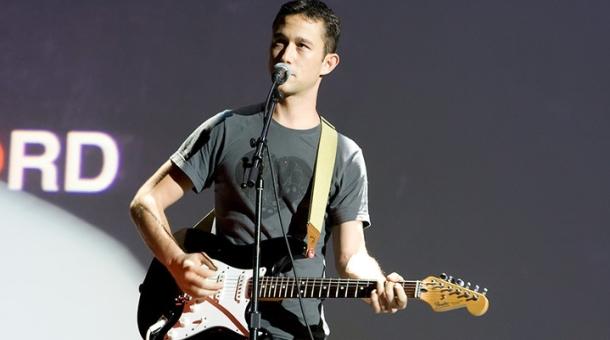 Seattle_Hit-Record-Joe-Singing.jpg