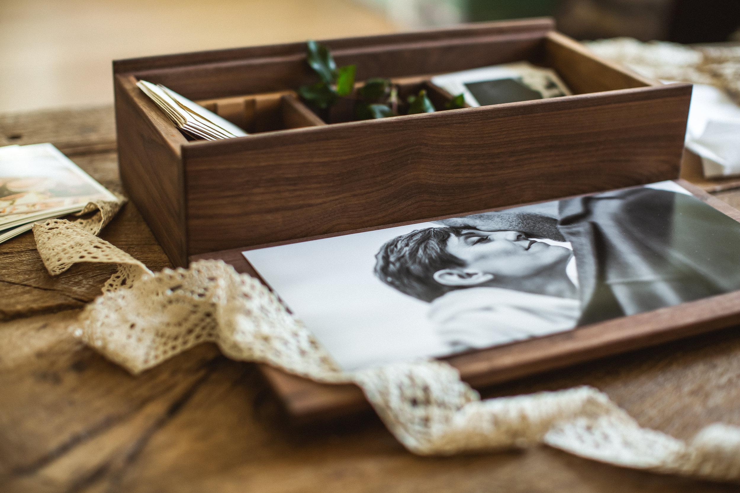 The Heirloom Box — Seasons in Dark Walnut (Image by H.H.Boogie)