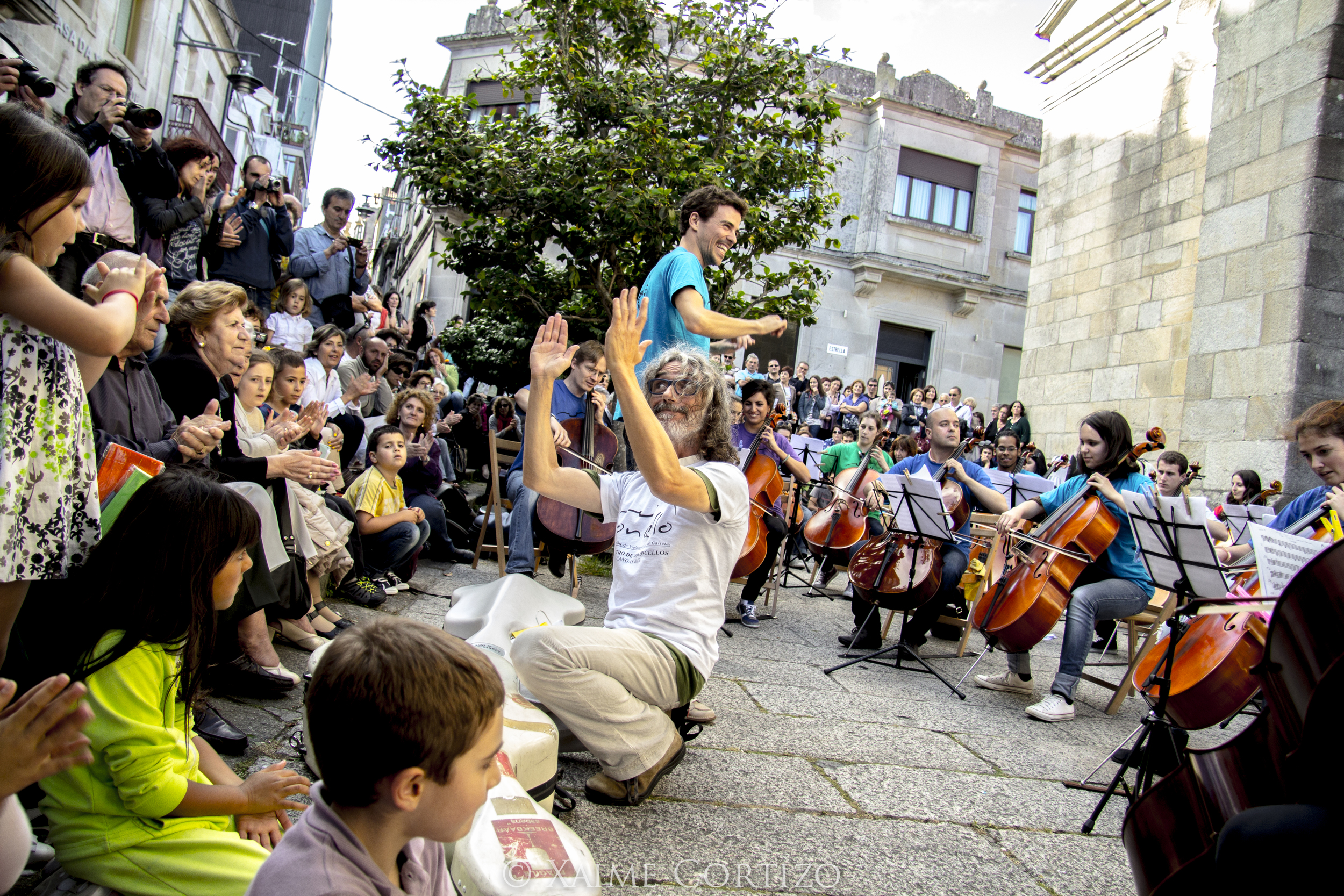 The Soncello Orchestra performing in Pontevedra.
