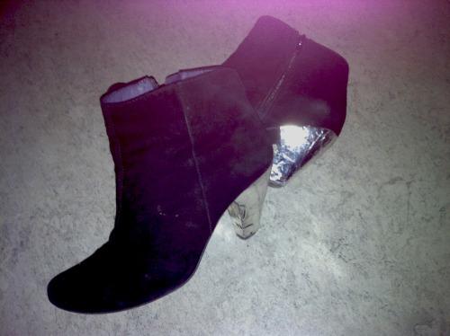 Anna_Lidstrom_tejp_shoes1.JPG