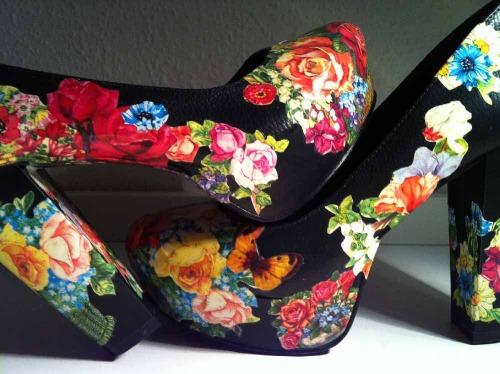 Anna_Lidstrom_DIY_FlowrShoes15.JPG