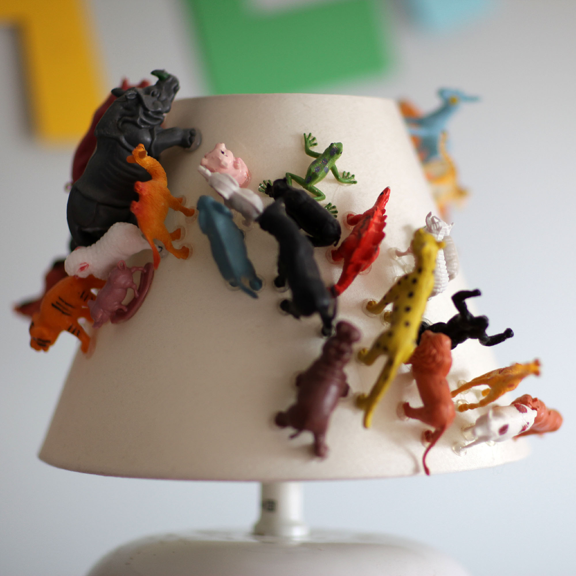Another_Blog_DIY_Lamp_plasticanimal3.JPG