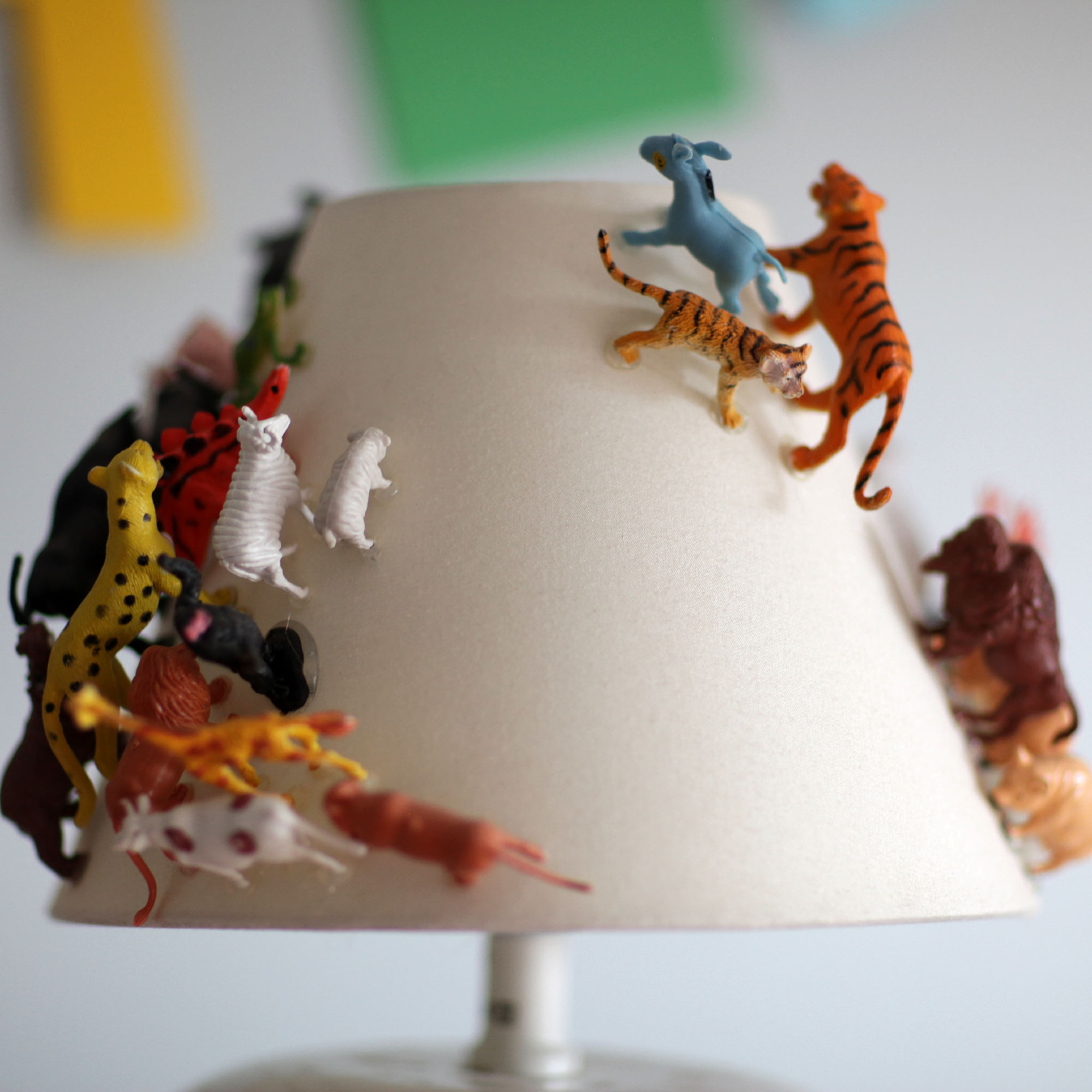 Another_Blog_DIY_Lamp_plasticanimal4.JPG