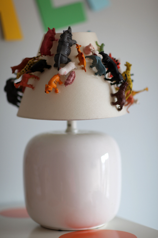 Another_Blog_DIY_Lamp_plasticanimal2.JPG