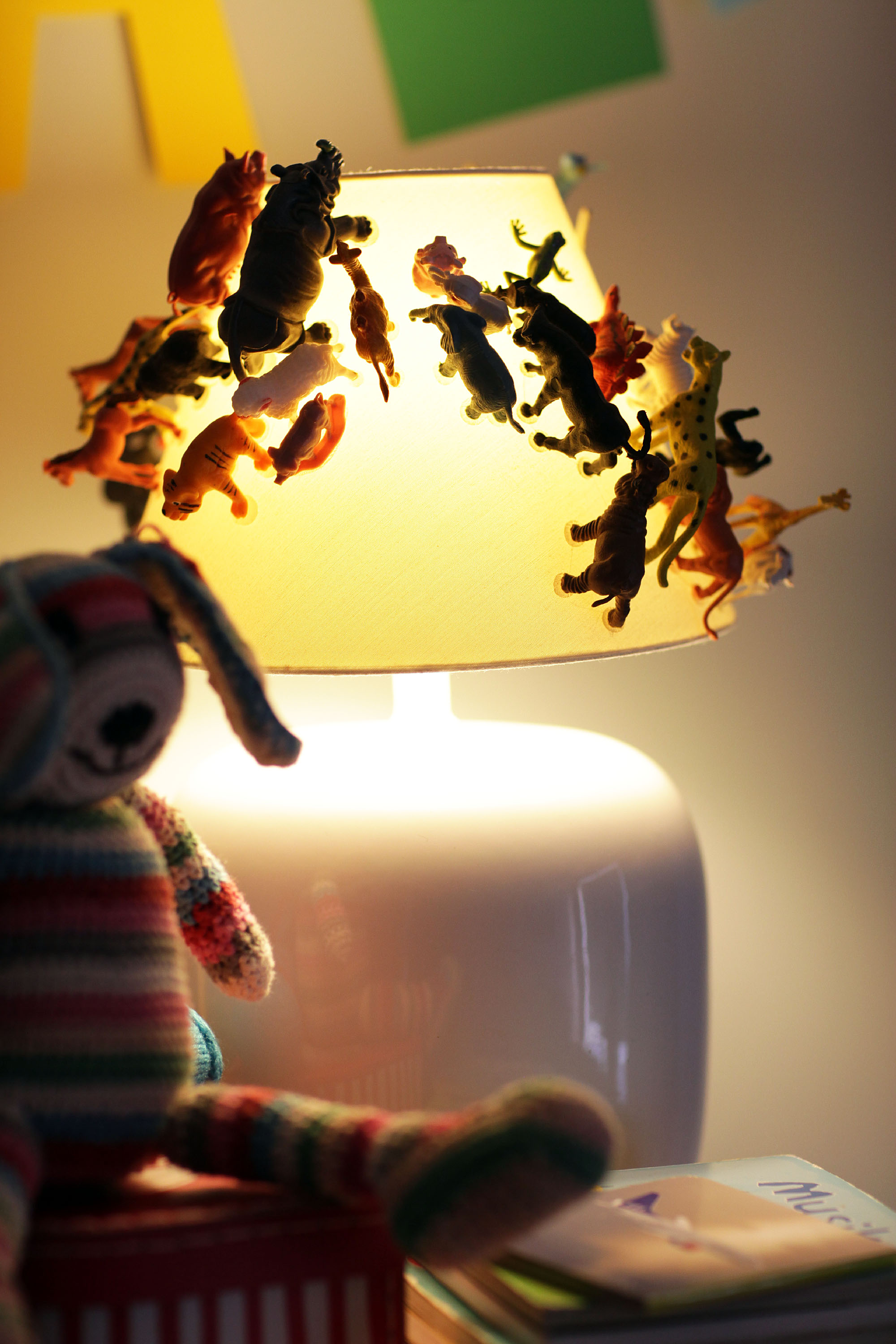 Another_Blog_DIY_Lamp_plasticanimal6.JPG