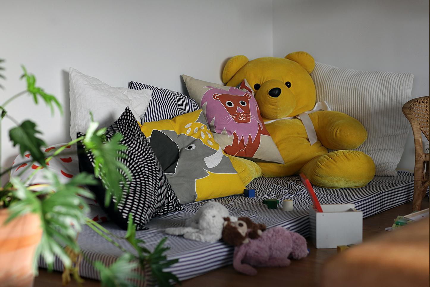 Yawmam of sweden pillows 1
