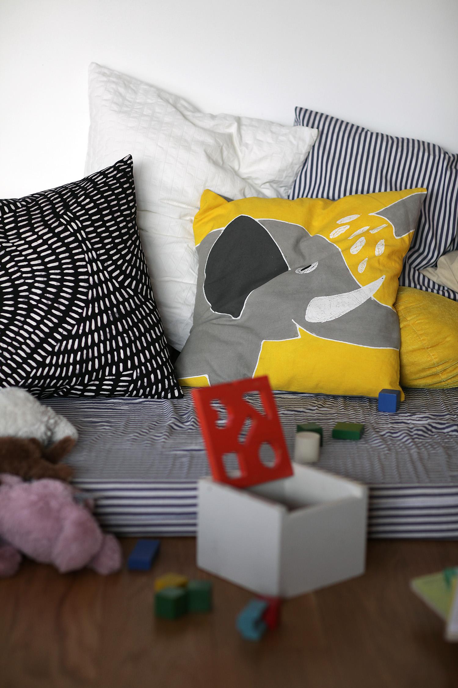 Yawmam of sweden pillows 2