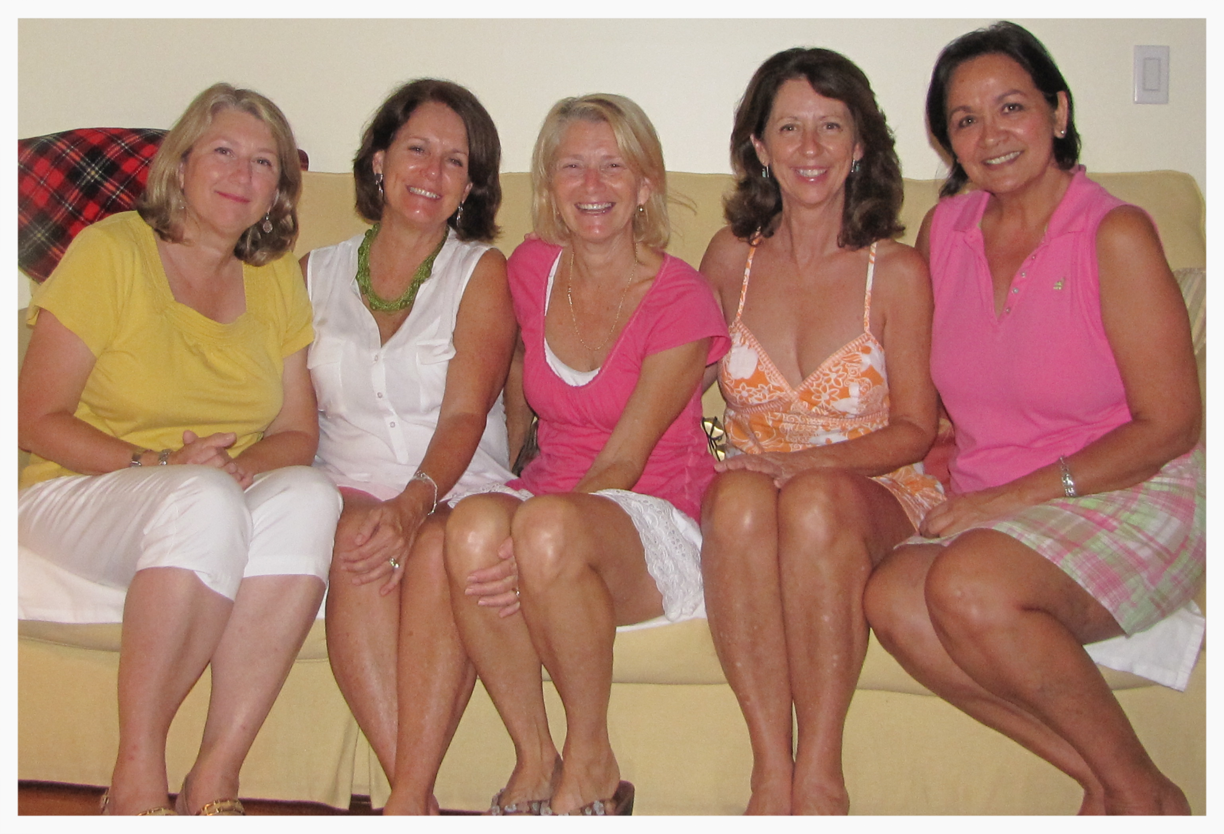 A group of  Towandatude  filled ladies. That's our friend  Ellen  on the end in pink.