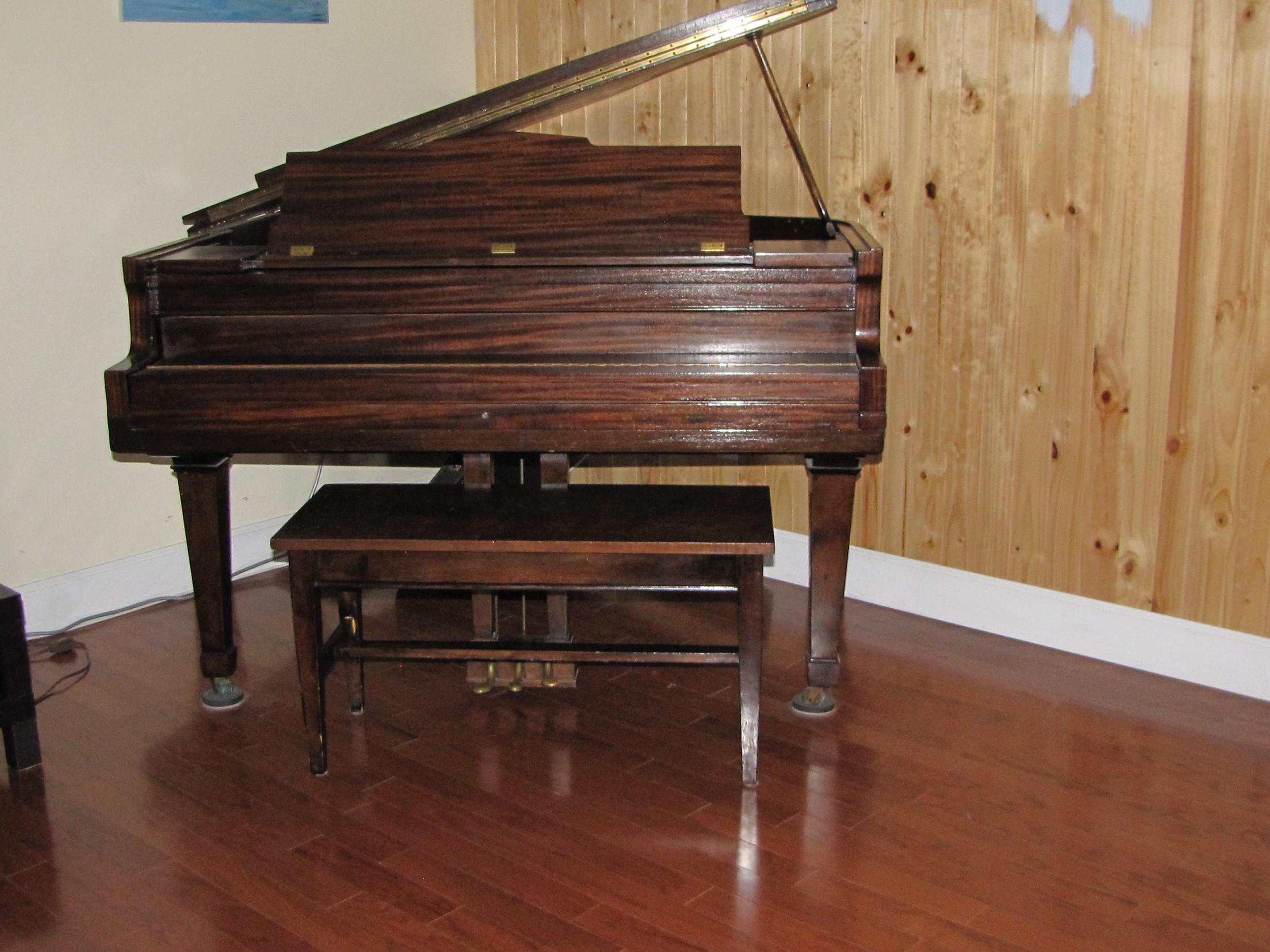 piano moving aug 2013 003.JPG