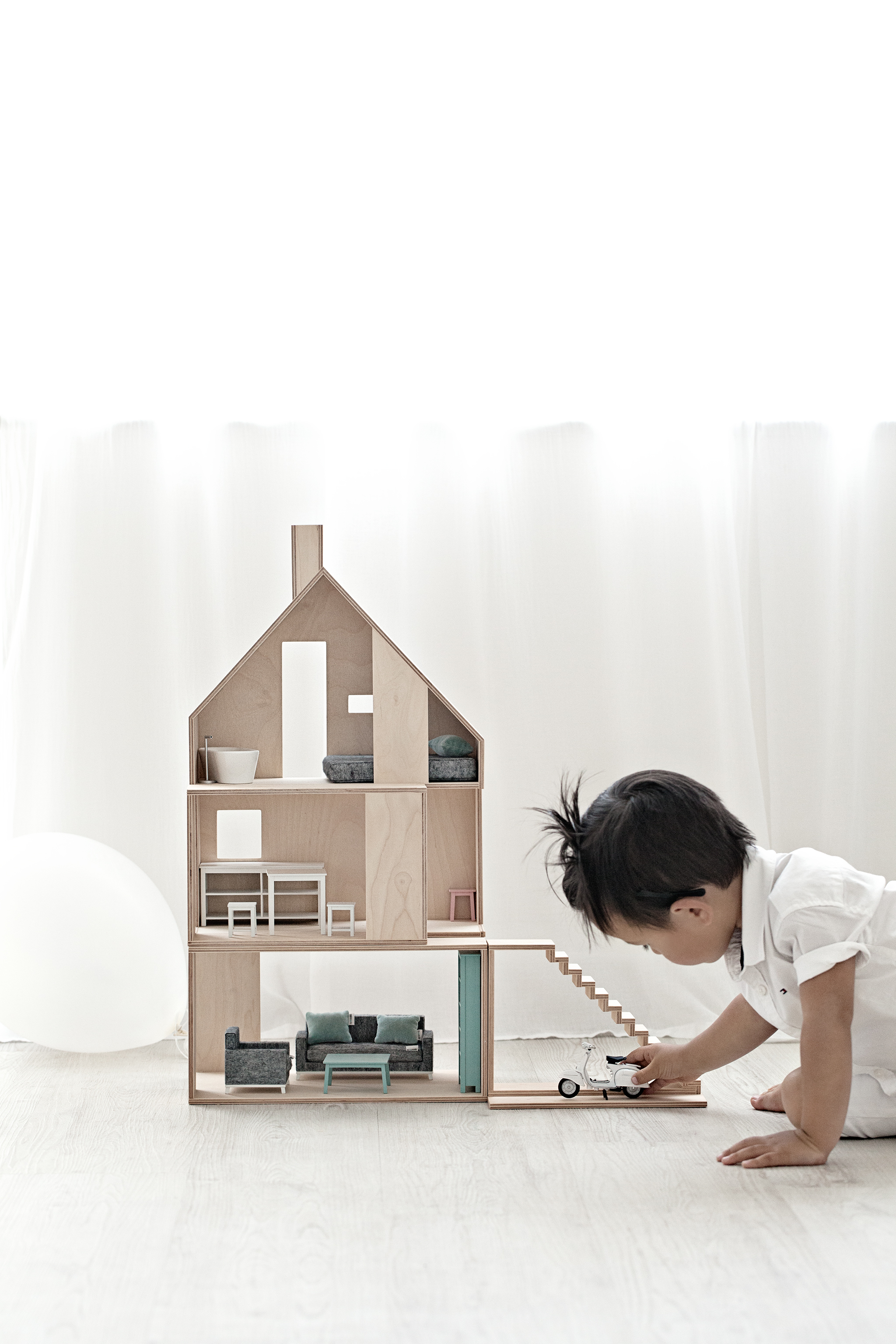 Boomini  Doll Houses | Hayden wears Tommy Hilfiger White Shirt from   Ashworth & Bird Kids