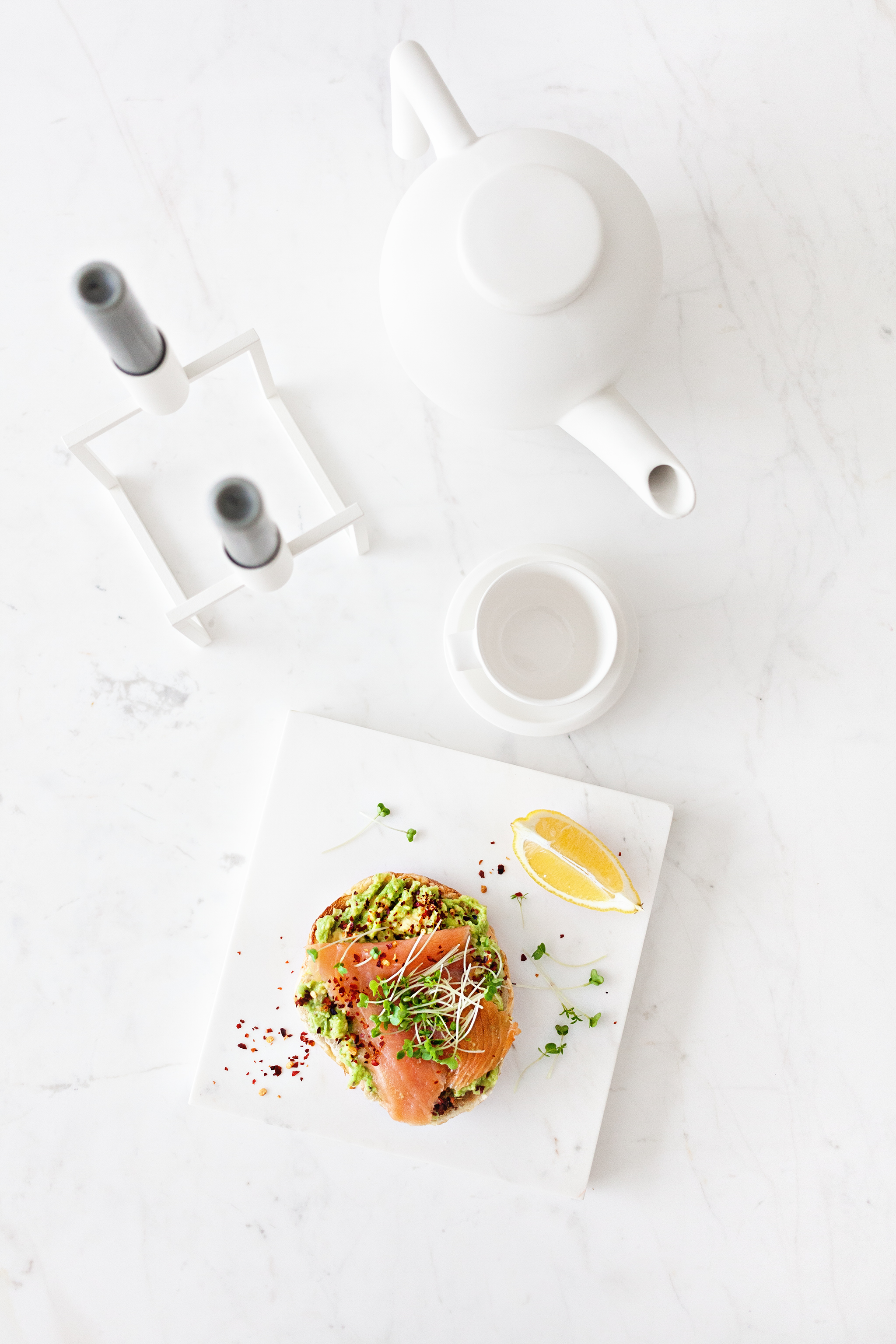 Avocado with Chilli & Smoked Salmon on Toasted Bagels | Marble Table and Marble Serverware from  Serax Belgium  | Kubus Line by ByLassen