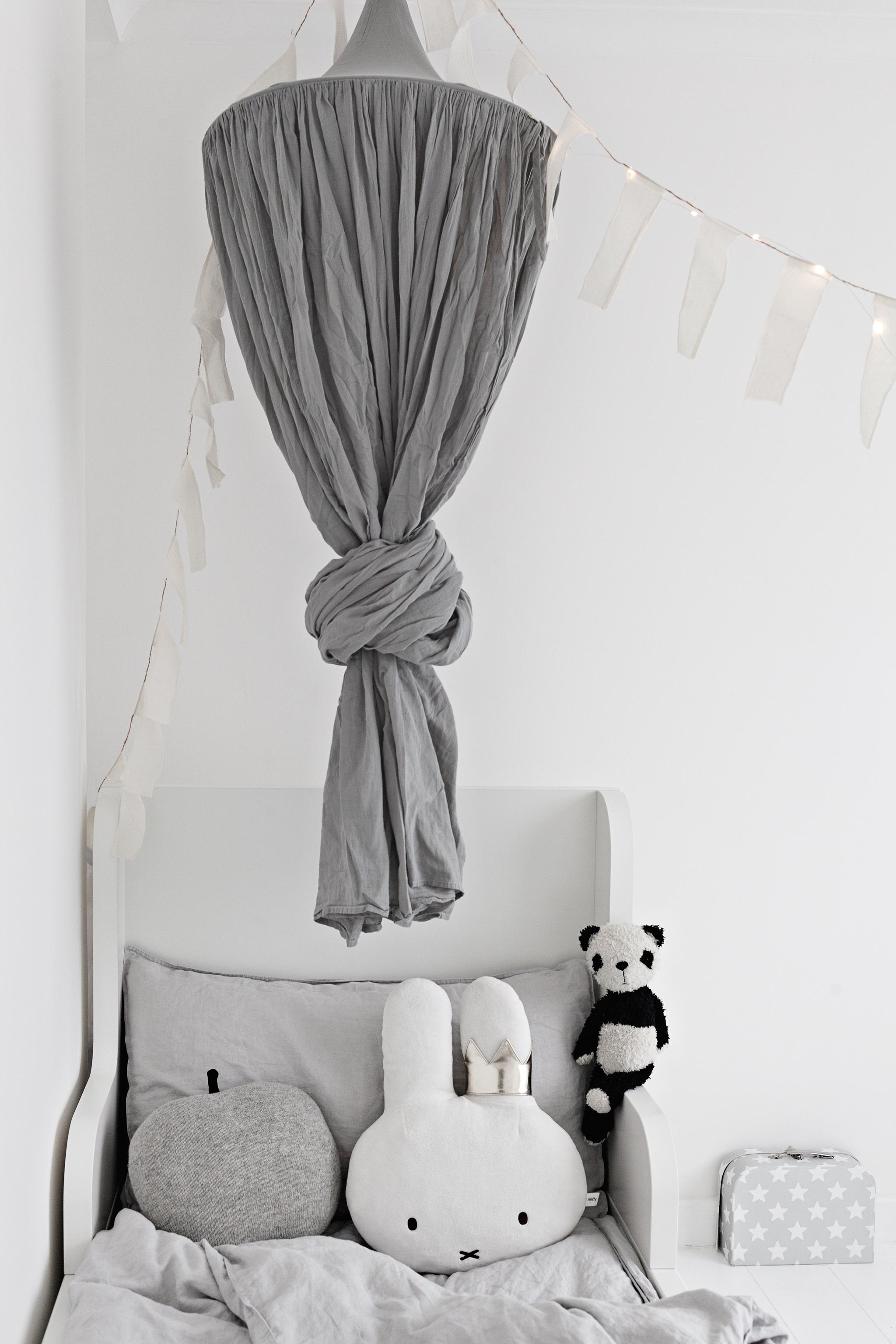 White Bed Blog Mae Gabriel