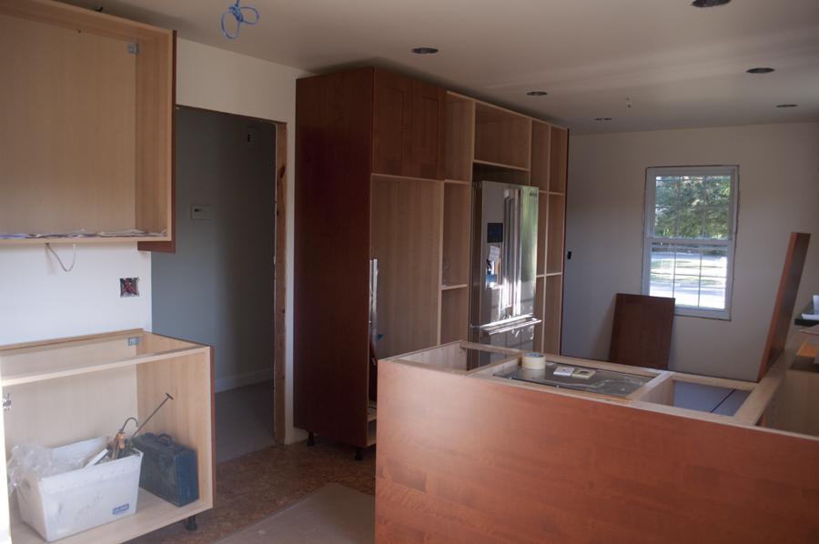 mid_kitchen.jpg