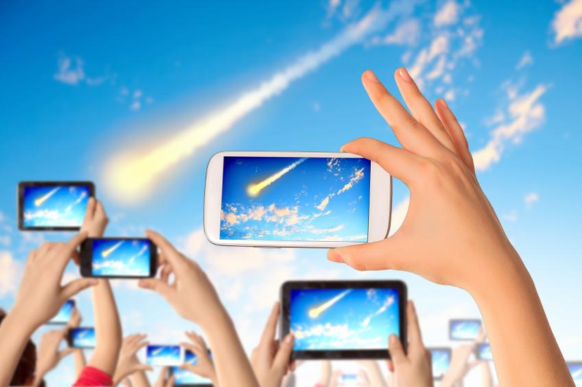 stock-illustration-9174488-mobile-phone-social-networking.jpg