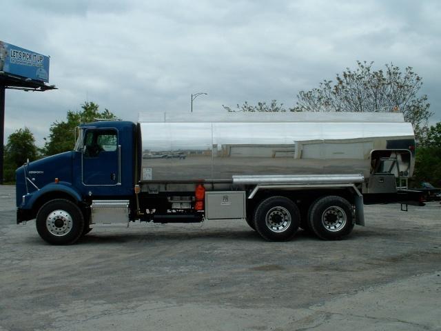 truck pitcher 010.jpg