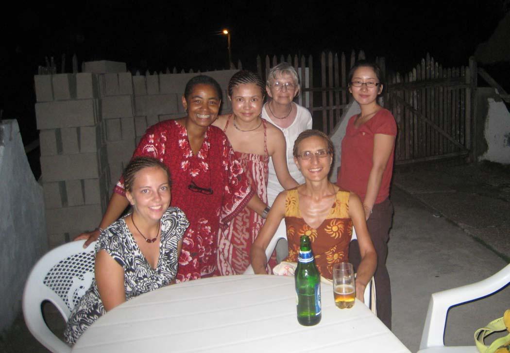 Global Mamas Volunteers