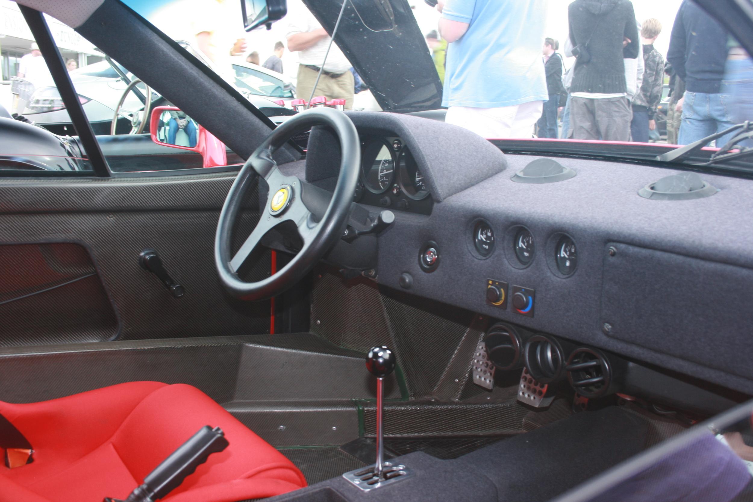 F40 Interior.jpg
