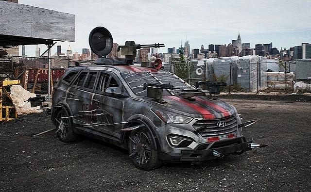 hyundai-unveils-santa-fe-zombie-survival-machine-medium_1.jpg