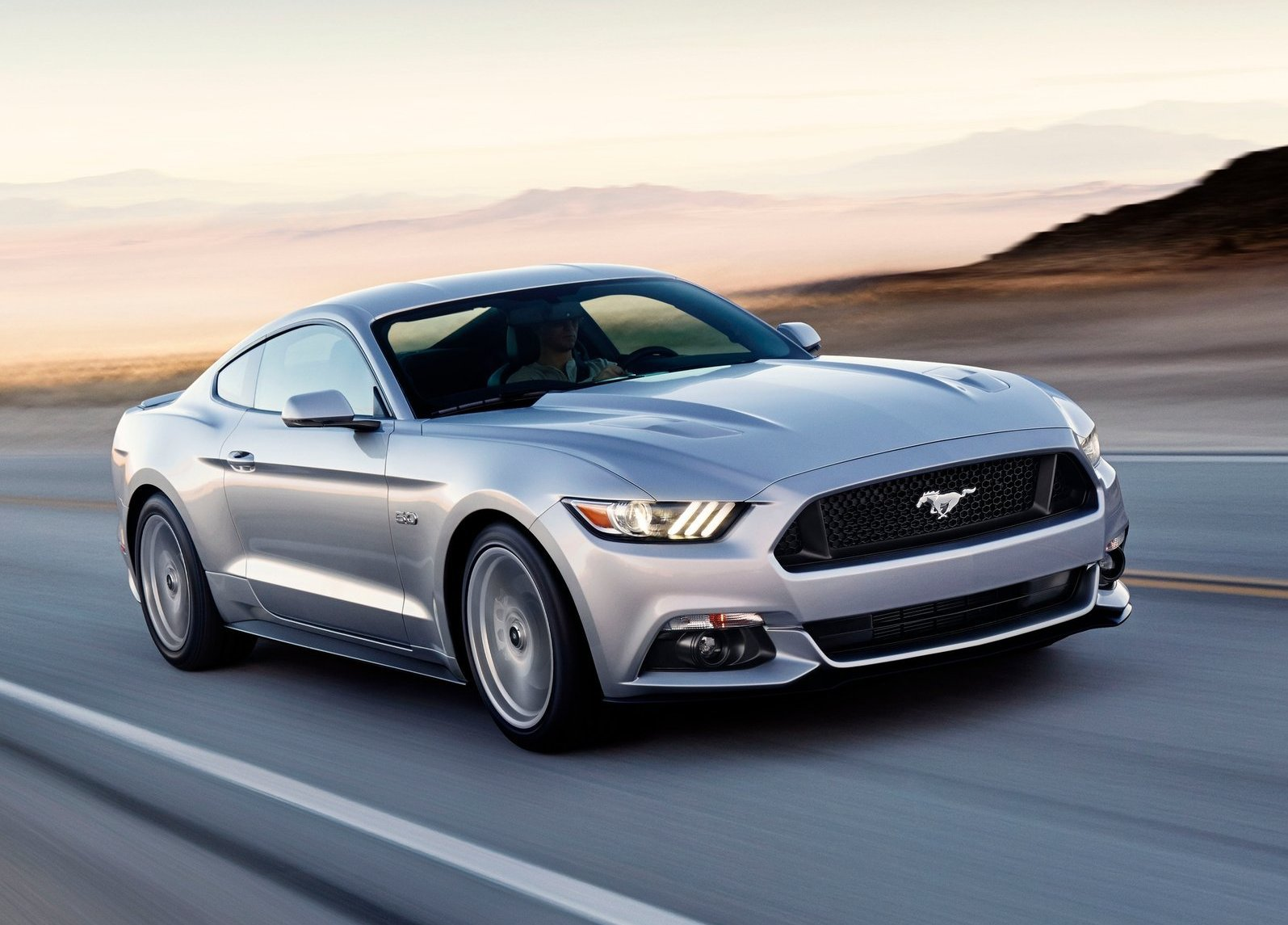 Ford-Mustang_GT_2015_1600x1200_wallpaper_02.jpg